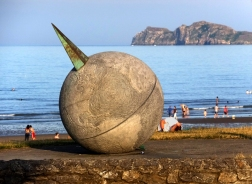 Portmarnock beach sculpture