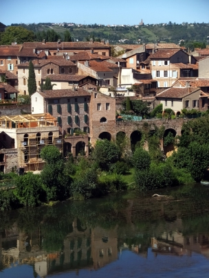 After leaving Sarlat, we made a mid-day stop in the lovely town of Albi.