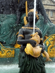 Paris is a feast for the eyes, filled with sculptures, monuments, and fountains.