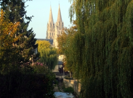 As in many European towns, a church or cathedral provides a convenient orientation point. The spires of Cathedrale Notre Dame de Bayeux are the first thing travelers see when approaching the town.