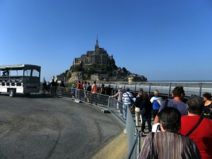 Visitors travel to the island from the parking area by shuttle bus.