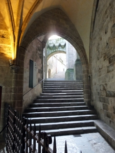Once on the island, labyrinthine passages and stairways lead through the town and around the abbey.