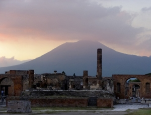 In the background, Mount Vesuvius -- the source of all that ash -- still looms. One can imagine how frightening it must have been to see fire and smoke bursting from its top.
