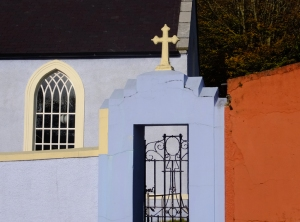 I ran across this lovely country church in Minane Bridge, a little town east of Kinsale.