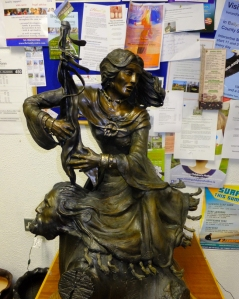 This bronze statue of Granuaile is in the O'Malley exhibit in the public library in Louisburgh, County Mayo.