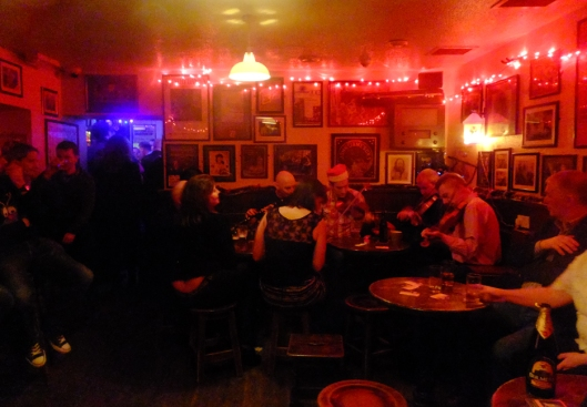 Inside Molloy's a visitor can listen to traditional music sessions seven nights a week.