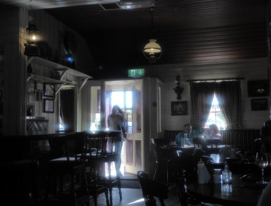 Fureys Pub-Interior-13x17-72dpi-P1010955