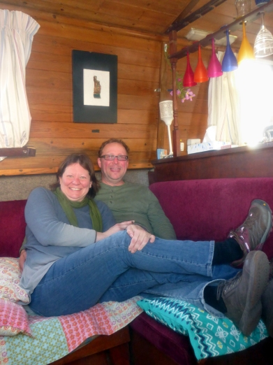 Raelea n Rick 2 in livingroom--P1020283